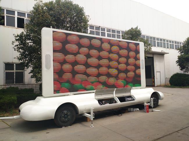 led advertising truck exported to Saudi Arabia